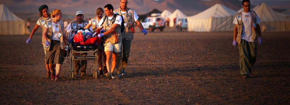 Soin par l'équipe de DocTrotter pendant le Marathon Des Sables